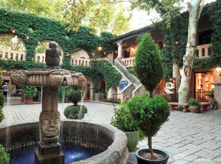 Tlaquepaque-sedona-campanas-fountain